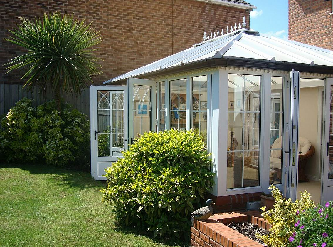 Abbeygardenblog all about orangeries conservatories for Conservatories and garden rooms